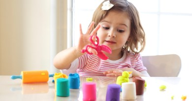 Easy homemade DIY Craft Projects to Keep Your Toddler Engaged and Busy