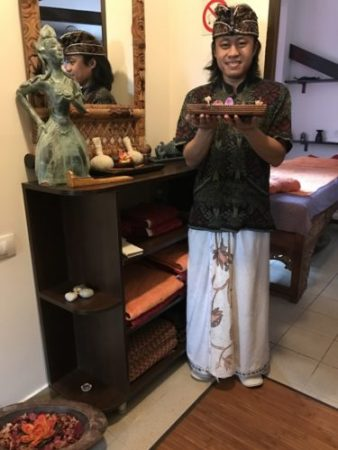 Bali Spa, Cornu