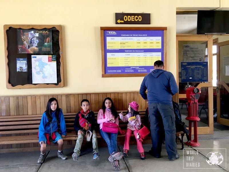 oruro uyuni kids train station