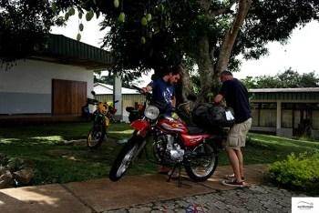 The Chinese motorcycle Steven bought for his parents in Cameroon. / Ο κινέζος που αγόρασε ο Στίβεν για να βολτάρει τους γονείς του στο Καμερούν.