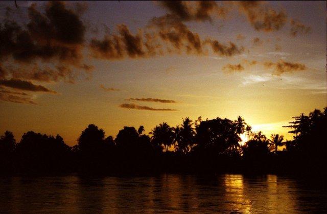 4000 Islands, Laos