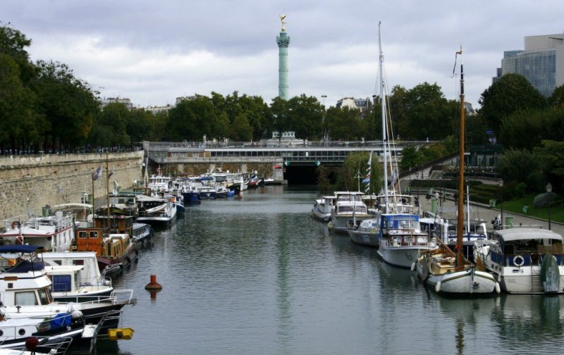 Bastille marina, Paris