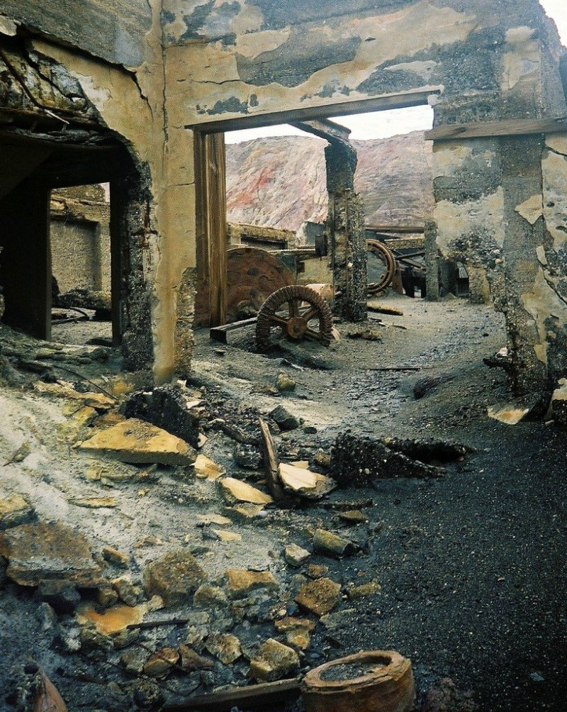 White Island sulphur mine ruins, New Zealand
