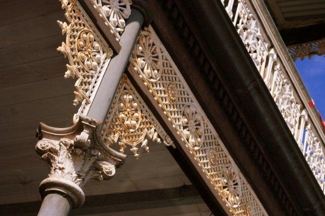 Melbourne iron lace