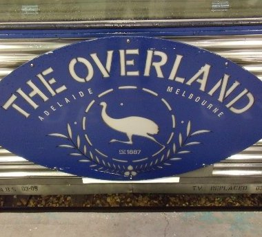 the-overland-emu-logo