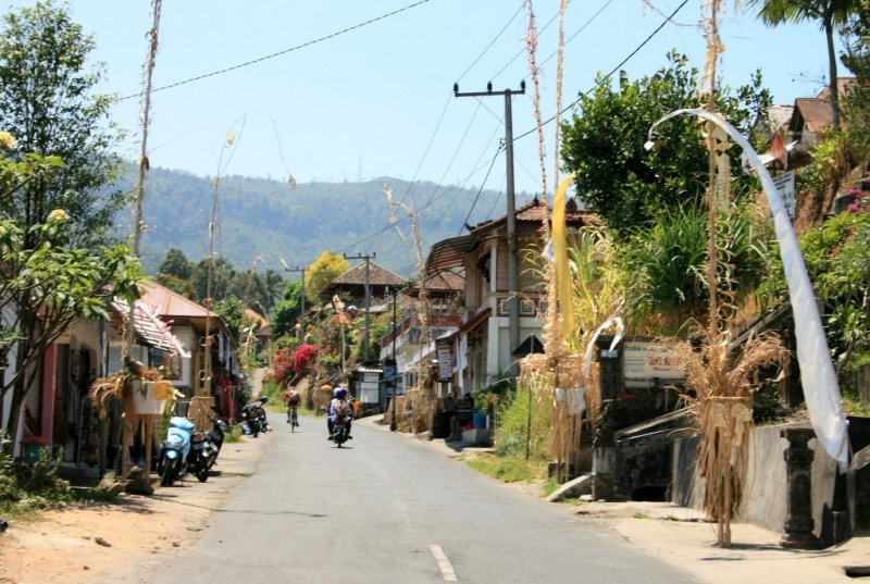 Munduk main street, Bali Central Highlands