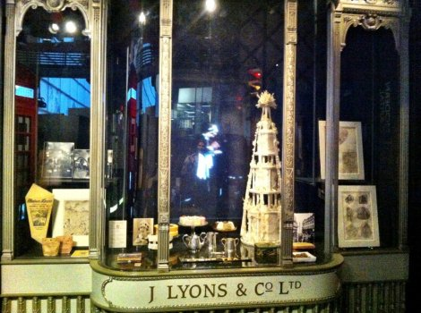 Lyons Tea Shop - Museum of London