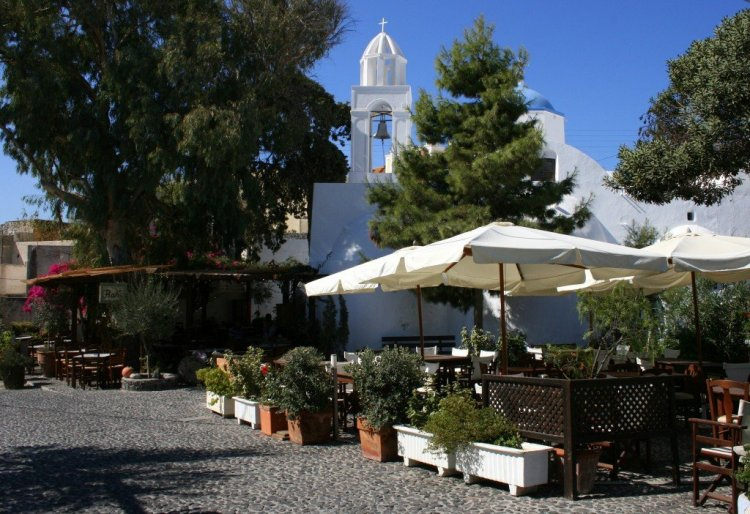 Megalochorio village square, Santorini