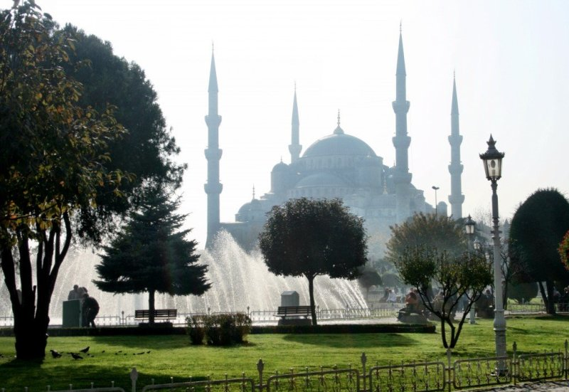 The Blue Mosque, Istanbul (2)