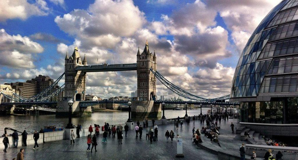 tower-bridge-and-city-hall-london