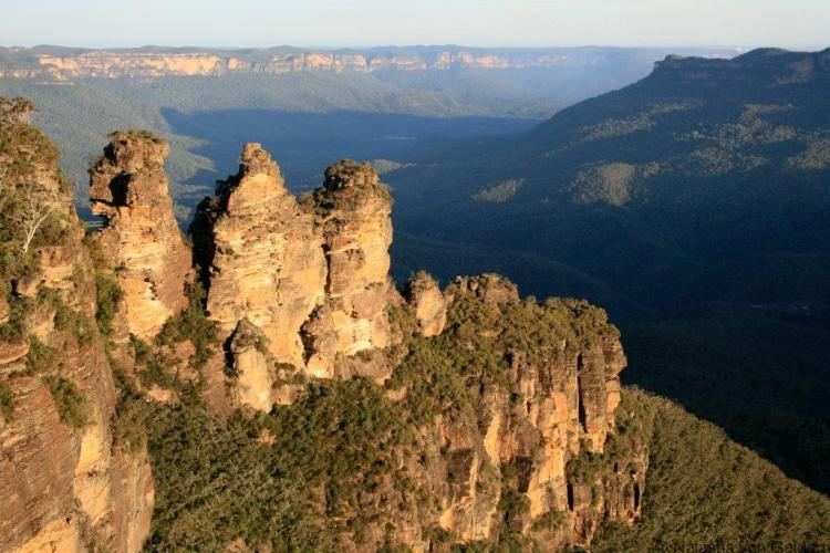 blue-mountains-three-sisters-viewpoint-australia