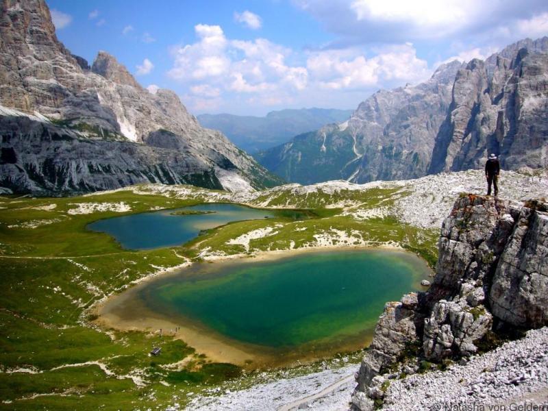 Italijos Dolomitų kalnų ir ežerų kraštovaizdis
