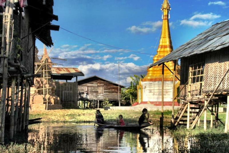 Kayaking Inle Lake Myanmar