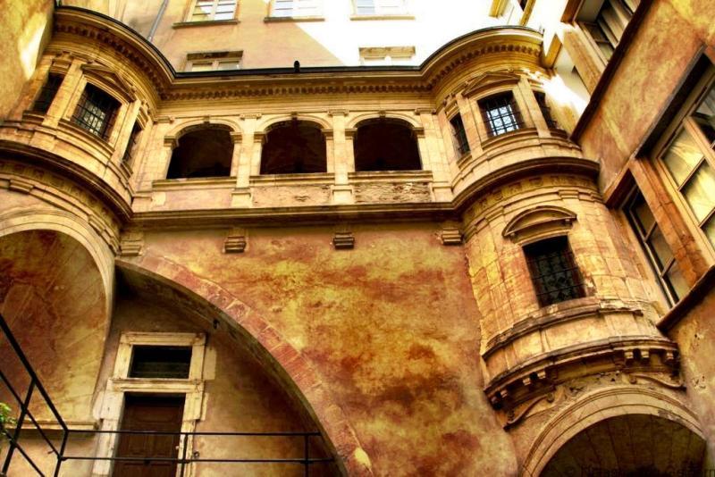 Lyon architecture traboule France