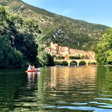 Canoe-and-kayak-Roquebrun-France