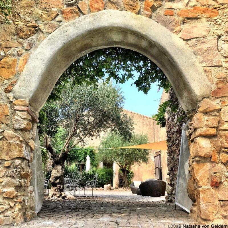 Maison de la Roche South of France gite accommodation with pool Languedoc