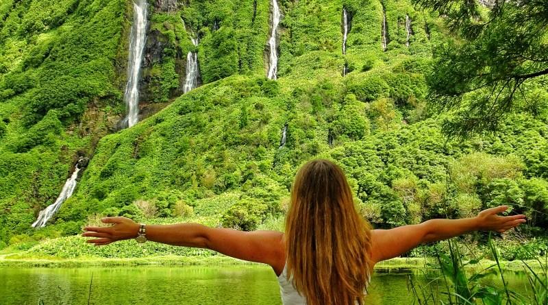 must visit places Flores Azores