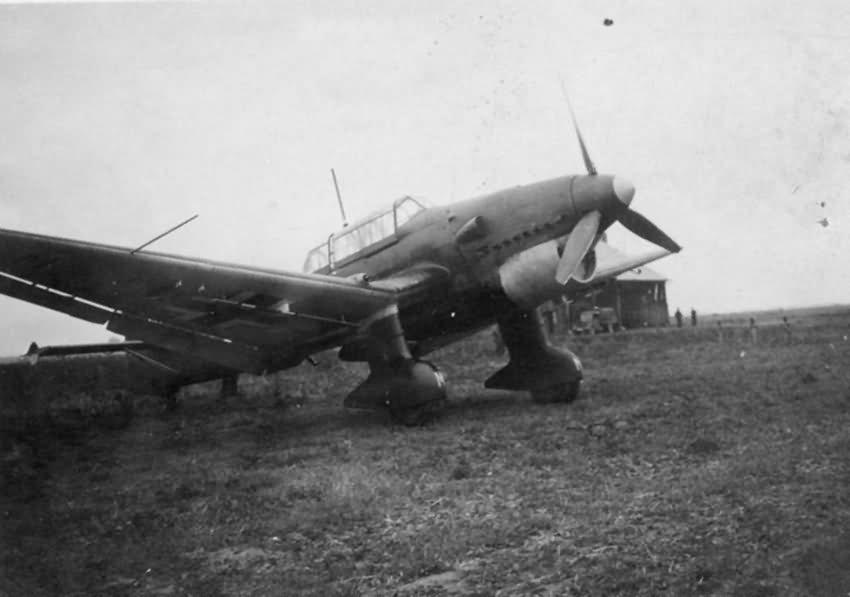 Junkers Ju 87 B german dive bomber