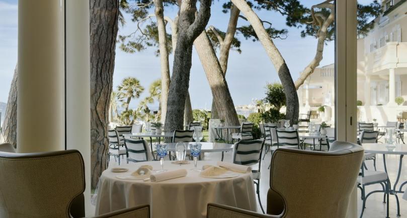 restaurants yacht Mediterranean La Vague d'Or