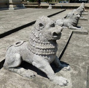 Stone lions, Colombo