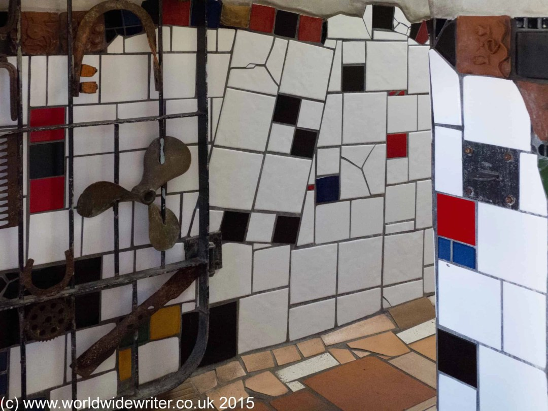 Hundertwasser Toilets, Kawakawa - www.worldwidewriter.co.uk