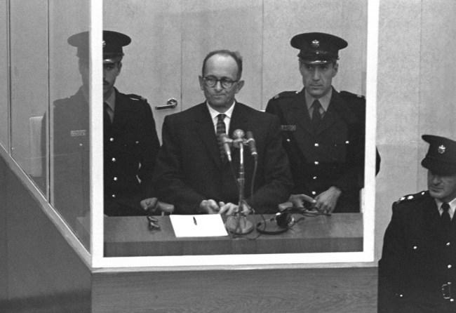 Adolf Eichmann, le 5 avril 1961 lors de son procès à Jérusalem.