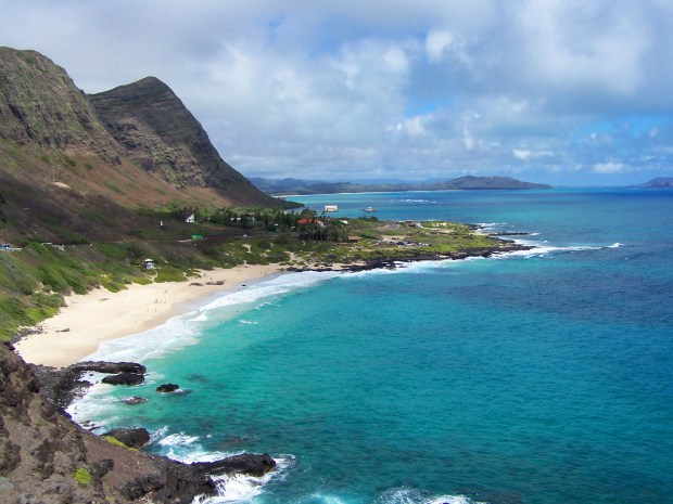 Beautiful beach on the south side of the island | Oahu | Hawaii