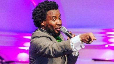 Photo of Sonnie Badu Defends Pastor Mensah Otabil
