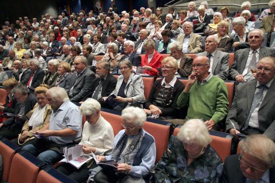 Der Theatersaal des Kulturhauses war restlos ausverkauft. (Foto: Björn Othlinghaus)