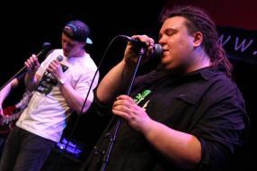 Der Dustin und Band.(Foto: Björn Othlinghaus)