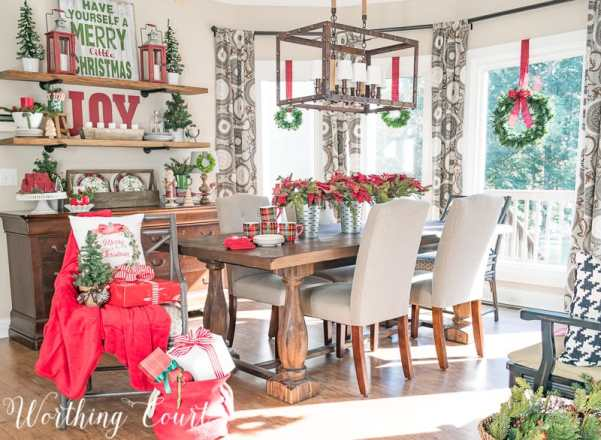 Celebrating A Nostalgic Christmas In My Breakfast Room #christmas #christmasdecor #breakfastroom