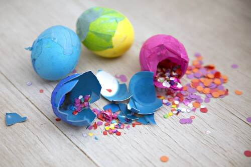 Confetti eggs Easter craft for kids