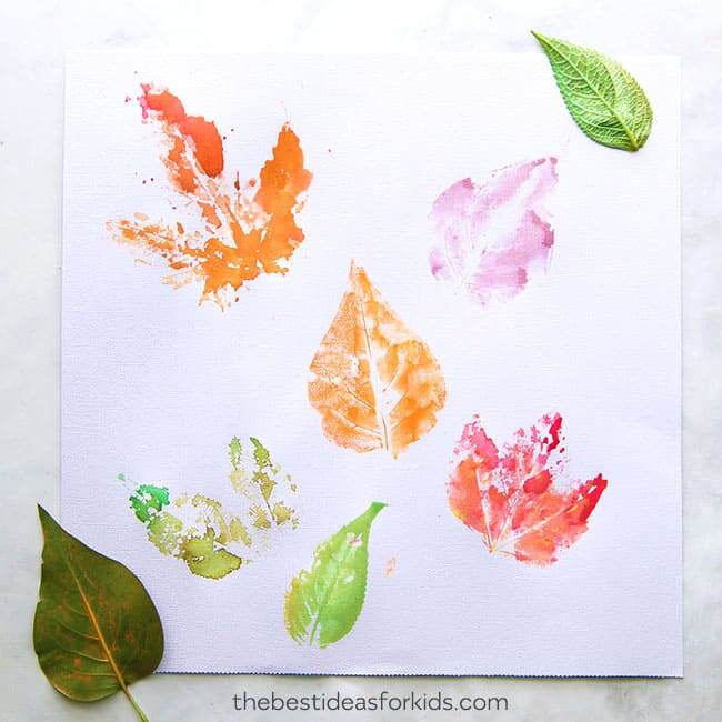 leaf printing craft for toddlers and preschoolers