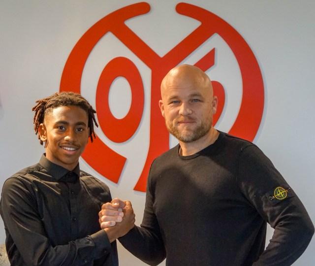 Leandro Barreiro hat bei Mianz 05 seinen ersten Profivertrag unterschrieben. (Foto: Mainz 05)