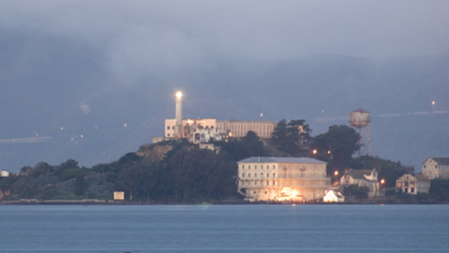alcatraz-night-tour_36732098_ver1.0_640_360_1551957400803_76275542_ver1.0_640_360_1552065277445.jpg