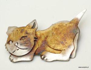 Srebrna broszka Kot Poziomy
