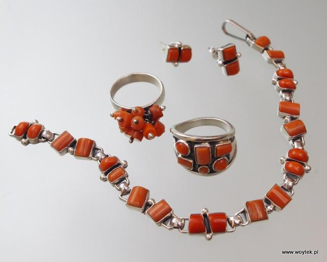 Srebrny komplet biżuterii z koralem