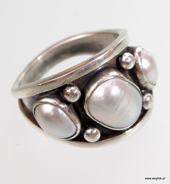 Srebrny pierścionek Szeroki Trzy Kamienie - z kamieniami naturalnymi