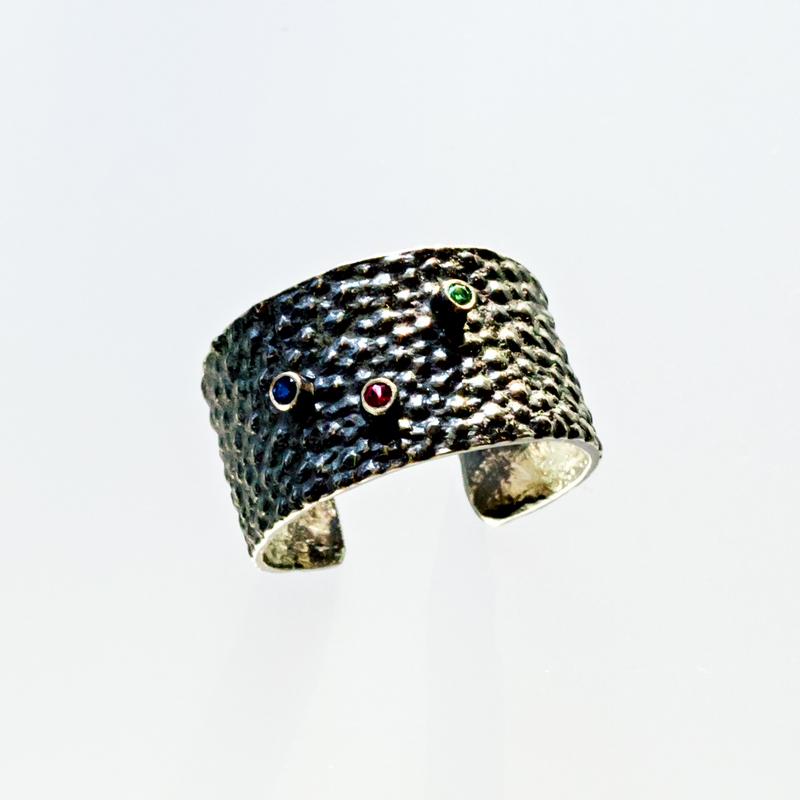Srebrny pierścionek Płaszczka z cyrkoniami