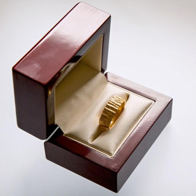 Złote lub srebrne obrączki Kora