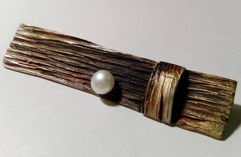 Srebrny broszko-wisior Podłużny z perłą