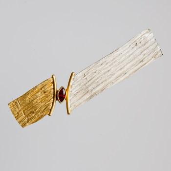 Srebrna broszka Bruzdy z pozłoceniem i cyrkonią
