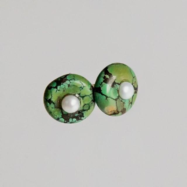 Okrągłe srebrne kolczyki z turkusem i perłami