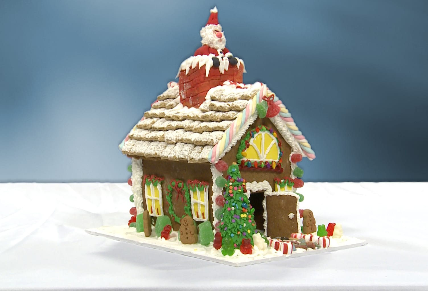 GINGERBREAD HOUSE & 2 CLASS TICKETS <br/> Donated by: JANET EVERS <br/> Valued at: $205