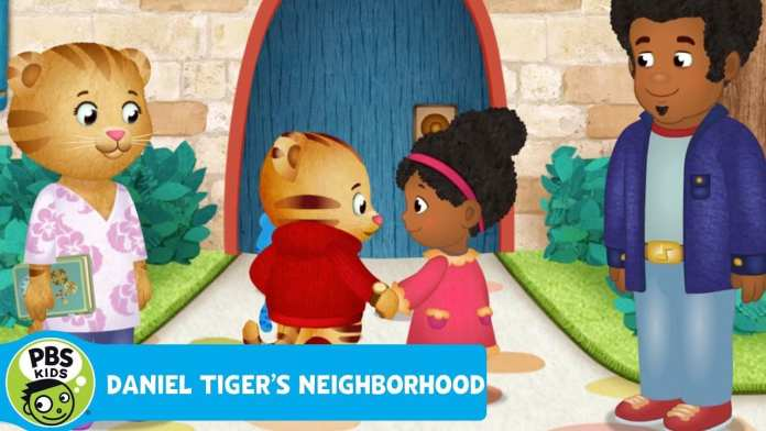 DANIEL TIGER'S NEIGHBORHOOD | Miss Elaina's Special Locket | PBS KIDS