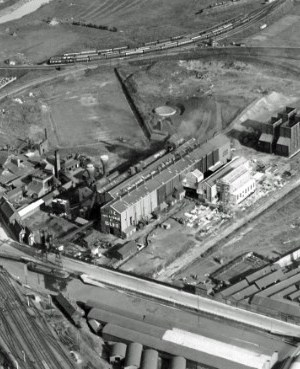 SWEHS 3.1.052.jpg - Date 23/051928 - Aerial photograph showing Feeder Road Electricity Works (Generating Station). Bristol, St. Phillips The generating station was originally called 'Avonbank' but was renamed in 1916 as Feeder Road Electricity Works to avoid confusion with 'Avonmouth'. Many rail deliveries had previously been delivered to the wrong address.