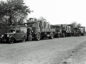 SWEHS 7.1.104.jpg - Date 1927 - Delivery of Henley cable. Small van of Cornwall Electric Power Company Cornwall, Carn Brea .