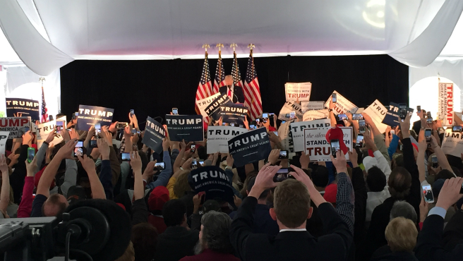 Trump Warwick RI rally 4-25-2016 SM_294268