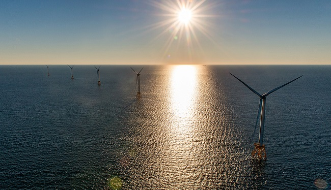 Block Island Wind Farm at sunrise_347784