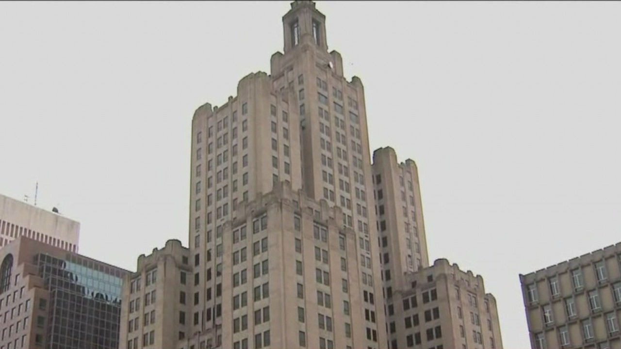 Superman' building to offer 3 more public tours